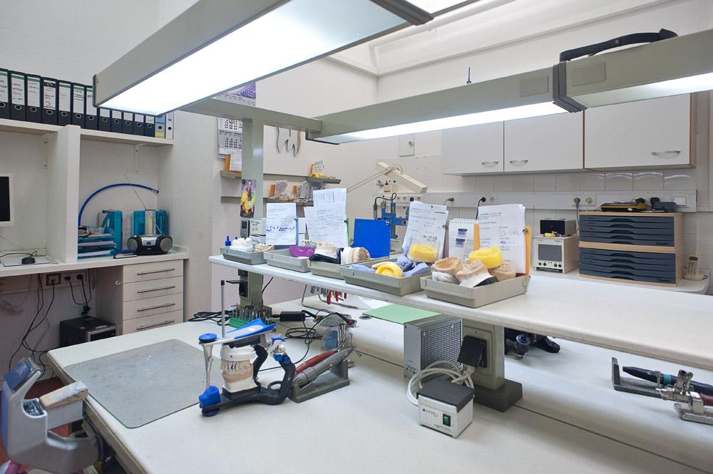 Zahnarztpraxis-Berlin-Neukoelln-Implantologie-Althoff-Labor-4